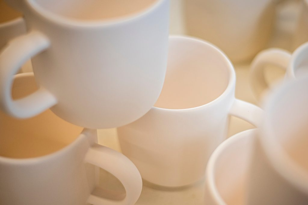 extra coffee mugs to choose from